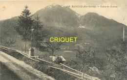 74 Manigod, Vallée De Guttary, Calvaire Au 1er Plan.... - Autres Communes