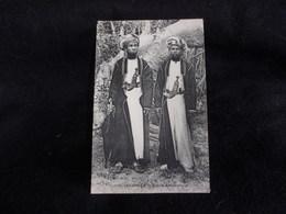 Comores .Anjouan .Types Anjouanais . Avant 1904 . Voir 2 Scans . - Comoros