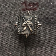 Badge (Pin) ZN006825 - Military (Army) Academy Yugoslavia - Militaria