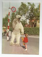 Norge Norvège Ours Blanc Et Enfant Peluche Tromso Gatebilde Fra Ishavsbyen A Big Ice Bear And Little Teddybear - Bears