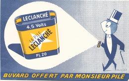 """Buvard """" La Pile Leclanché """"(  Pliure, Auréole , 21 X 13,5 Cm ) - Accumulators"""