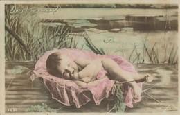 CPA - FANTAISIE - DANS LES ROSEAUX - 1098 - J. L. C. - BÉBÉ DANS UN COUFFIN - Bebes
