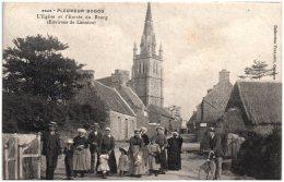 22 PLEUMEUR-BODOU - L'église Et L'entrée Du Bourg (environs De Lannion) - Pleumeur-Bodou