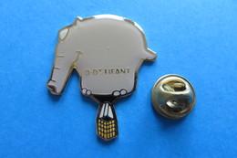 Pin's, Elephant, Elefant, Ottifant, Montgolfière, Heissluftballon, Limité - Airships