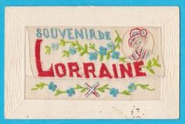 Carte Brodée LORRAINE Souvenir Médaillon Femme De La Région - Brodées