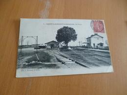 CPA 30 Gard Saint Laurent D'Aigouze La Gare TBE - France
