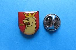Pin's, Ville, Blason, AUGST, Wappen, Suisse - Cities