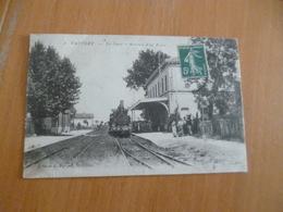 CPA 30 Gard Vauvert La Gare En L'état - France