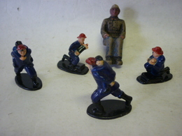 Lot De 5 POMPIERS ET 1 En Alu - Figurines