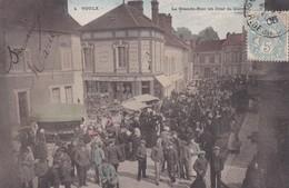 VOULX - LA GRANDE RUE UN JOUR DE MARCHE - 77 - France