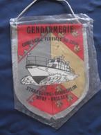 GRAND FANION GENDARMERIE COMPAGNIE FLUVIALE DU RHIN STRASBOURG GAMBSHEIN NEUF-BRISACH ANCIEN JE PENSE - Police & Gendarmerie