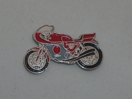Pin's MOTO MAGNI MV AUGUSTA - Motorbikes