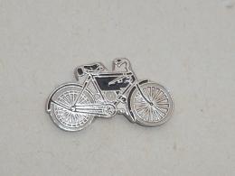 Pin's MOTO 004 - Motorbikes