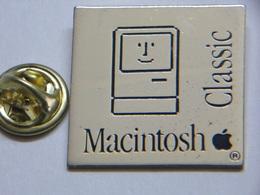 Pin's - Informatique MACINTOSH Classic - Computers