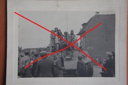 Photo WAVRE Libération Char Américain Tank Sherman Septembre 1944 Panzer Brabant Wallon Guerre - Lieux