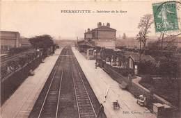 PIERREFITTE - Intérieur De La Gare - France