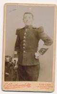 Photo Ancienne CDV Portrait D'un Militaire 93e Régiment Chasseurs Circa 1880 Photographie Bertrand à La Roche Sur Yon - Guerre, Militaire