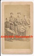 Photo Ancienne CDV Général De Charette Commandant Et Groupe Officiers Volontaires De L'Ouest Zouave Pontifical - Guerre, Militaire