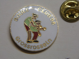 Pin's - Boule-Club'86 - GROSSROSSELN - Land Sarre Pétanque Allemagne - Germany - Deutschland - Bowls - Pétanque