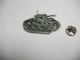 Beau Pin's En Relief , Armée Militaire , Char Blindé Romilly ; Adjudant Henri Caron - Militaria