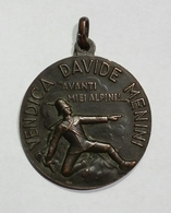 MEDAGLIA - Associazione Nazionale Alpini - Vendica Davide Menini (1936) Prod. Johnson / Battaglione Alpini D'Africa - Italia