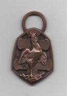 Médaille Commémorative . République Française .Guerre .1939-1945 . - Insegne