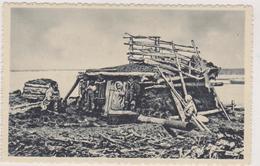 Cpa,états Unis,ALASKA,sur Le Fleuve Yukon,maison D'esquimau,été,hiver,il Habitera Les Iglous,fait De Neige Et De Glaçons - Etats-Unis