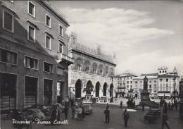 Italie - Piacenza - Piazza Cavelli - Automobiles - Piacenza