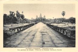 ANGKOR    RUINES  TEMPLE - Cambodia