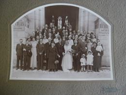 1 Grande Photo Ancienne Mariage En 1945 Eglise De MONTMORILLON (86) Photographe Jean Dubuisson  PUB Chanteur Henri COLAS - Lieux