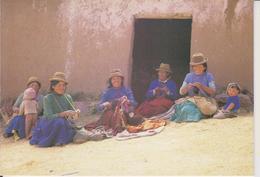 PEROU - LIVINCAYA - COMMUNAUTE VILLAGEOISE FAISANT DE L'ARTISANAT - LOÏC GERARD 1987 - CARTE DOUBLE - Peru