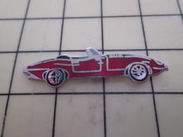 Pin813d Pin's Pins / Beau Et Rare / AUTOMOBILES : JAGUAR TYPE E ROUGE DECAPOTABLE - Jaguar
