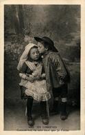 LIMOUSIN Enfants En Costume - Costumes