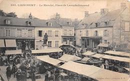 ¤¤  -   LIANCOURT    -  Le Marché, Place De Larochefoucaud    -  ¤¤ - Liancourt