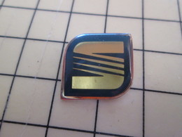 Pin813G Pin's Pins / Beau Et Rare / AUTOMOBILE : LOGO DE LA MARQUE SEAT - Other