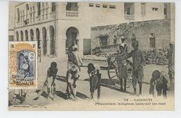 AFRIQUE - DJIBOUTI - Prisonniers Indigènes Balayant Les Rues - Dahomey