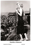 MARILYN MONROE - Film Star Pin Up PHOTO POSTCARD - 201-539 Swiftsure Postcard - Artistes