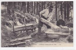 Vosges - Gérardmer - Schlitteur Déchargeant Du Bois - Gerardmer