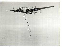AVRO LINCOLN   BOMBER   THOR II EMPIRE AIR ARMAMENT SCHOOL MANBY LINES  21* 16 CM Aviation, AIRPLAIN, AVION AIRCRAFT - Aviación