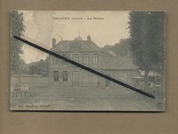 CPA Abîmée , Rétrécit - Salouel - (Somme ) - La Mairie - France