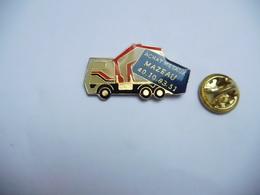 Beau Pin's  , Transport , Camion , Achat Métaux Mazeau , Saint Ouen , Grue , Levage - Transportation