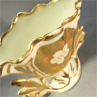 * VASE DE MARIE EN VIEUX PARIS - Faïence Mariage Mariée - Ceramics & Pottery