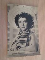 CARPO418 : Carte Postale N&B / Photo Vedette De Cinéma VIVIANE ROMANCE ,  Années 50/60 PHOTO EDITIONS OP - Acteurs