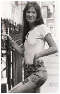 Sexy JANE BIRKIN Actress PIN UP PHOTO Postcard - Publisher RWP 2003 (01) - Artistes