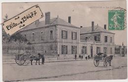 36 Issoudun - Cpa / Le Collège. - Issoudun