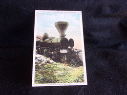 Etats - Unis .Old Locomotive Abandoned In San Antonio . Texas  .Voir 2 Scans . - San Antonio