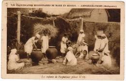 Les Franciscaines Missionnaires De Marie En Mission, Ambohidratrimo, Madagaskar (pk44284) - Madagascar