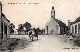 41 LOIR ET CHER - LA MAROLLE La Place Et L'Eglise - Francia