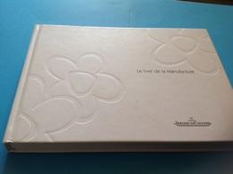Le Livre De La Manufacture Montres Jaeger Le Couture 259 Pages - Collectors