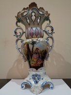 Antiguo Jarrón De Porcelana Con Una Pareja Galante. Pintado A Mano. - Cerámica Y Alfarerías